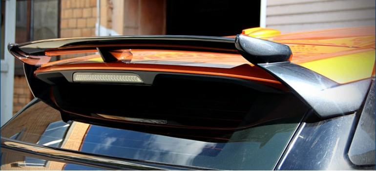 Спойлер Startech на заднюю дверь для Range Rover Evoque
