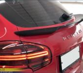 Спойлер на заднюю дверь на Порше Кайен (Porsche Cayenne) 2015 модельного года