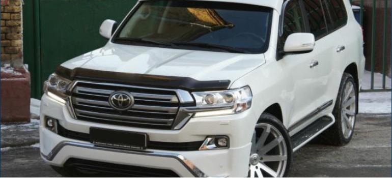 Козырек на лобовое стекло Toyota Land Cruiser 200