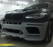 Установка переднего бампера Hamann EVO M на БМВ (BMW) E71 X6