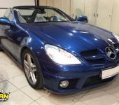 Ремонт синего кабриолета Мерседеса ( Mercedes ) SLK 171