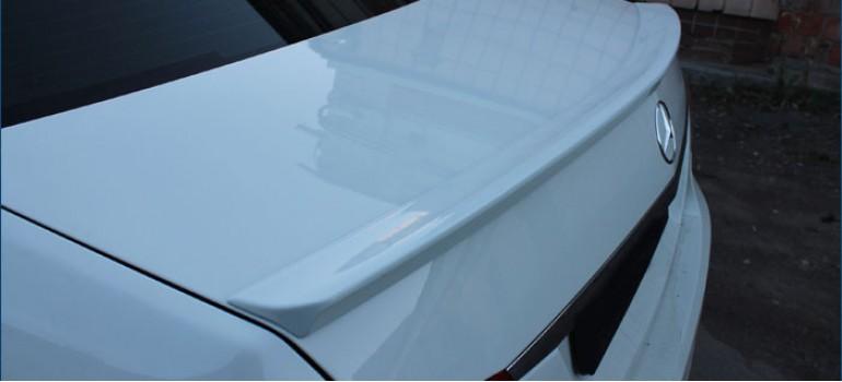 Установка спойлера ( антикрыла ) АМГ ( AMG ) на багажник на Мерседес ( Mercedes ) W212