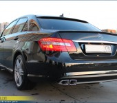 Небольшой стайлинг Мерседеса ( Mercedes ) W212 - установка спойлеров на багажник и стекло и установка насадок АМГ ( AMG )