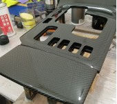 Ламинирование настоящим карбоном деталей салона Toyota Land Cruiser 105