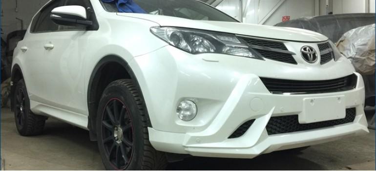 Профессиональная установка обвеса на Тойоту (Toyota) RAV4