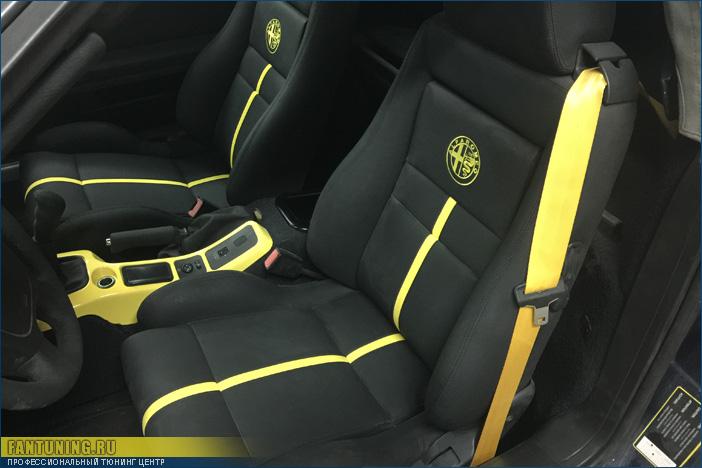 Стильная перетяжка салона на Альфа Ромео Спайдер (Alfa Romeo Spider)