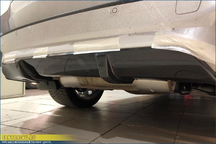 Ремонт карбоновой накладки М Перформанс (M Performance) на задний бампер БМВ (BMW) X5 F15