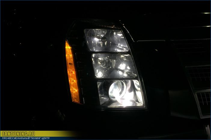 Замена линз в фарах Кадиллака Эскалейд (Cadillac Escalade)