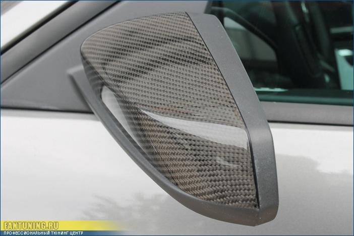 Покрытие настоящим карбоном зеркал и части спойлера на багажнике Форд Мустанг (Ford Mustang)