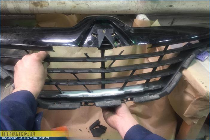 Небольшой тюнинг радиаторной решетки на Рено Каптюр (Renault Kaptur)
