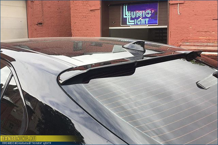 Установка спойлера Khann на Toyota Camry